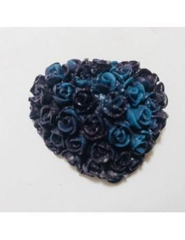 Jabón de glicerina y aroma a aloe vera. Tiene forma de corazón formado por rosas. En diferentes colores.